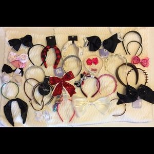 Thirty Plus Piece Bundle Of Headbands & Bows